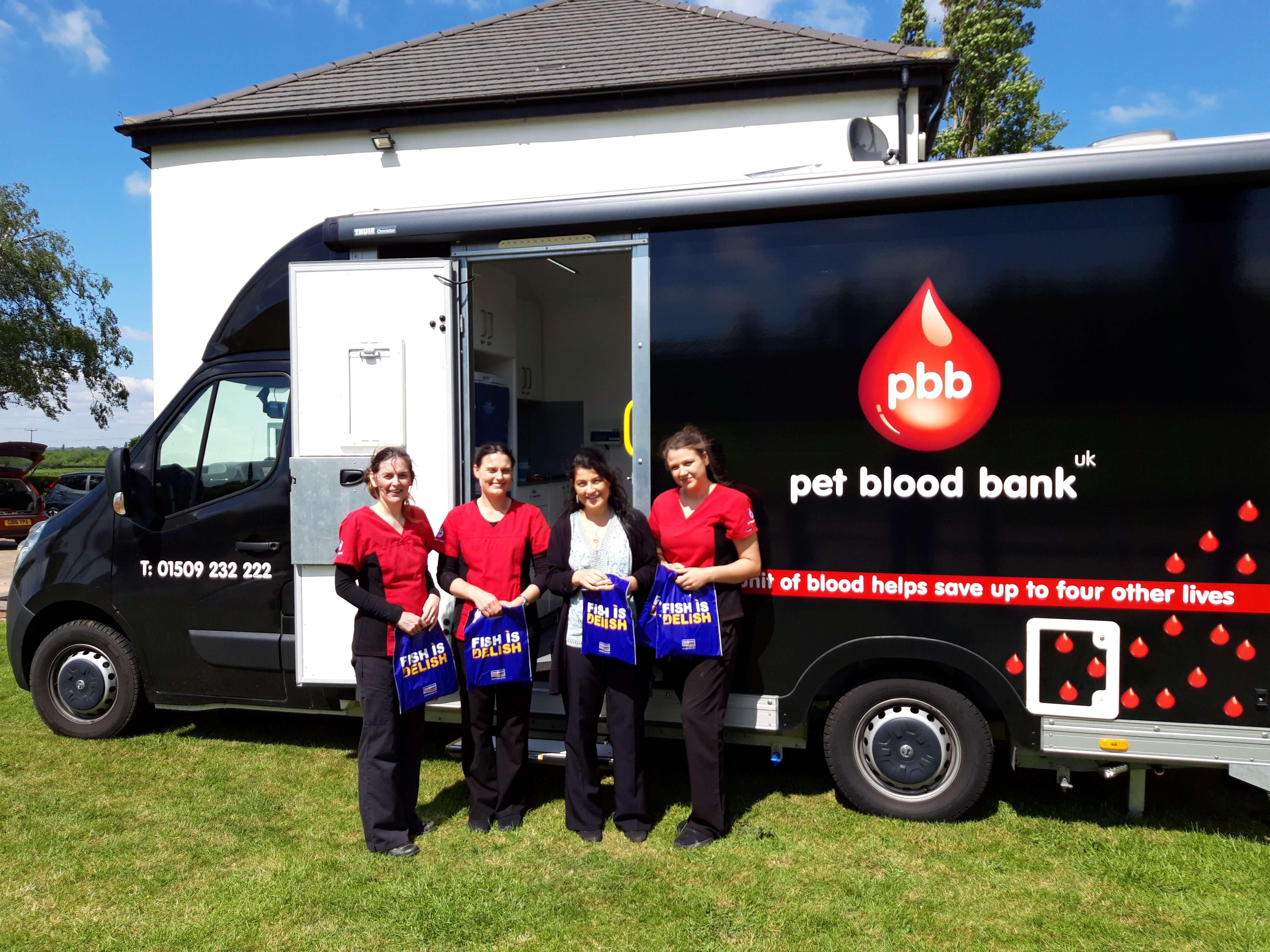 Pet blood bank mobile unit