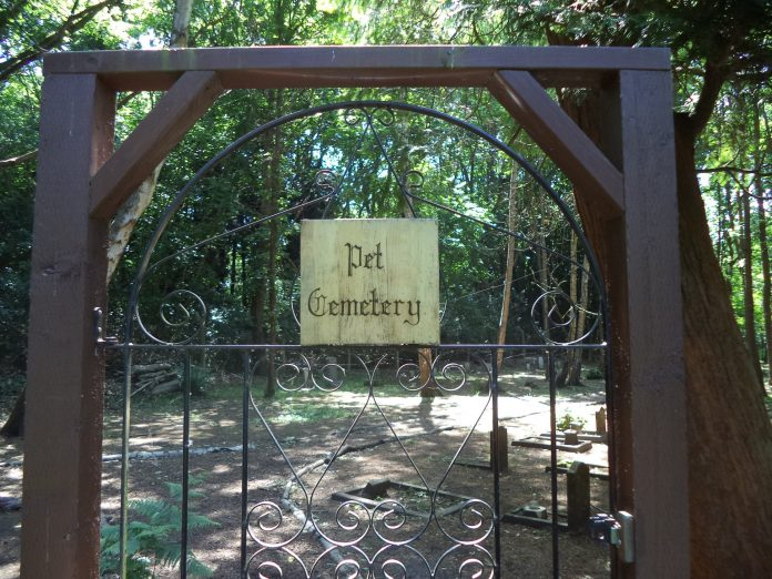 pet cemetery entrance